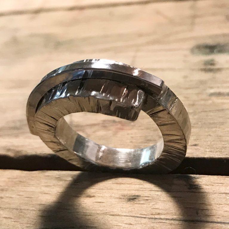 Linien   Banket unika ring