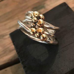 STRANDSTEN | Med mange små guldsten